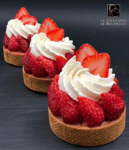 Tarte fraises \u2013 rhubarbe de L. Duchêne \u2013 La pâtisserie de